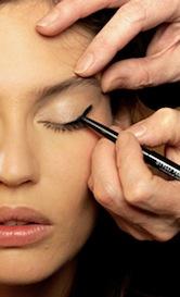 Maquillaje para párpados caídos